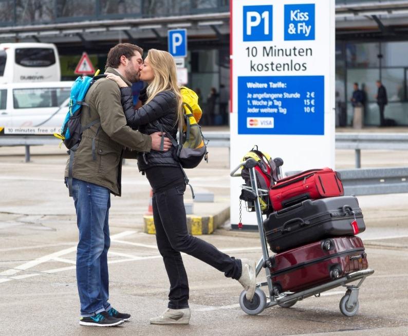 Parken_Kiss_Fly