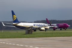 Departure and Arrival Wizz Air and Ryanair